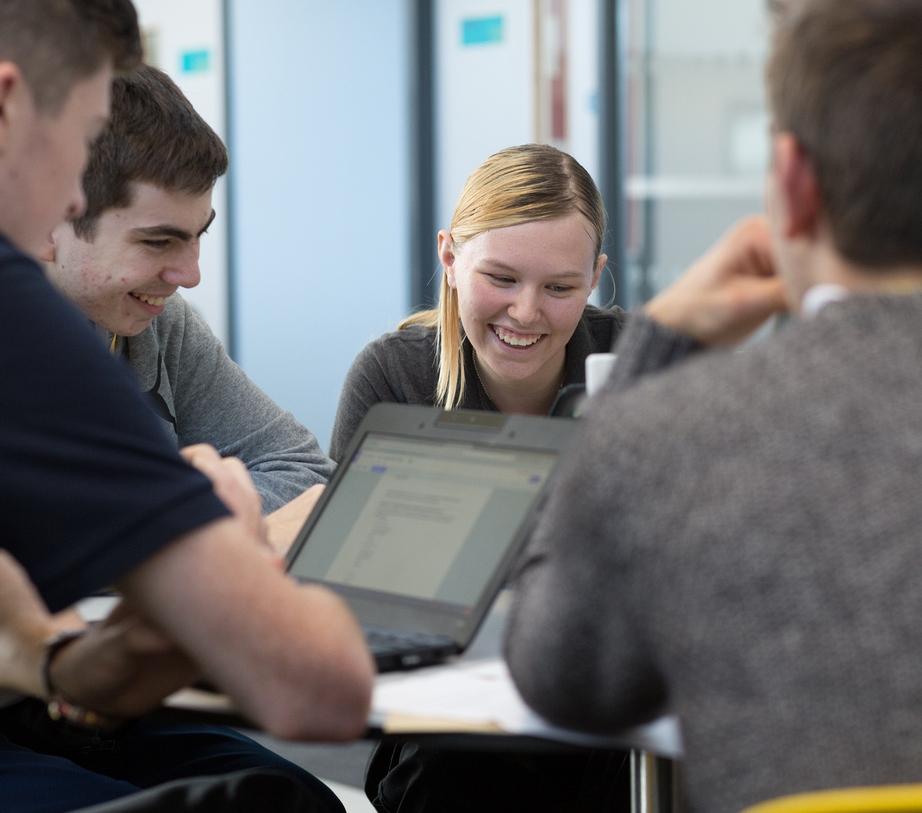 UTC students-137-(ZF-8786-53657-1-001).jpg