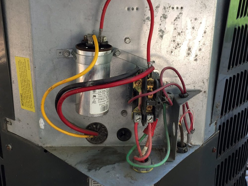air-conditioner-condenser-capacitor-and-relay-disconnected.jpg