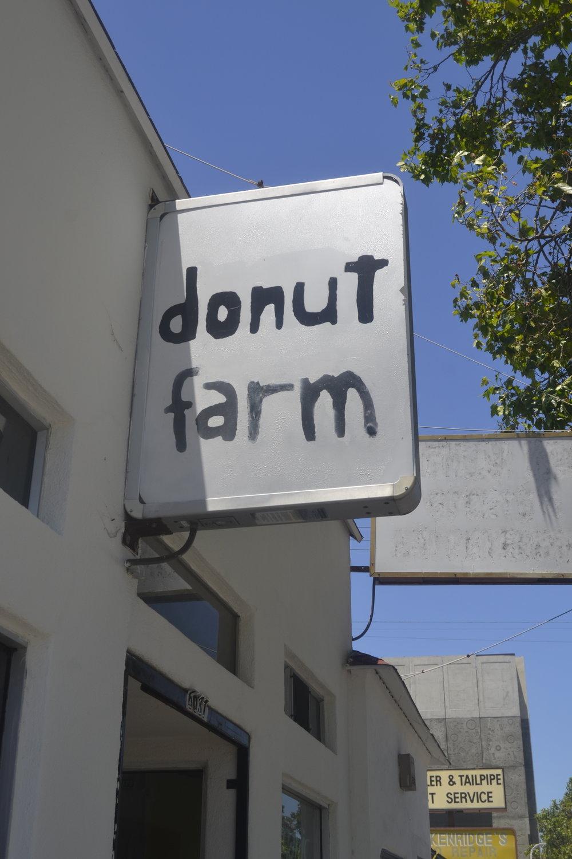 Donut Farm, Bay Area Vegan spot, Oakland, California vegan, vegan donut