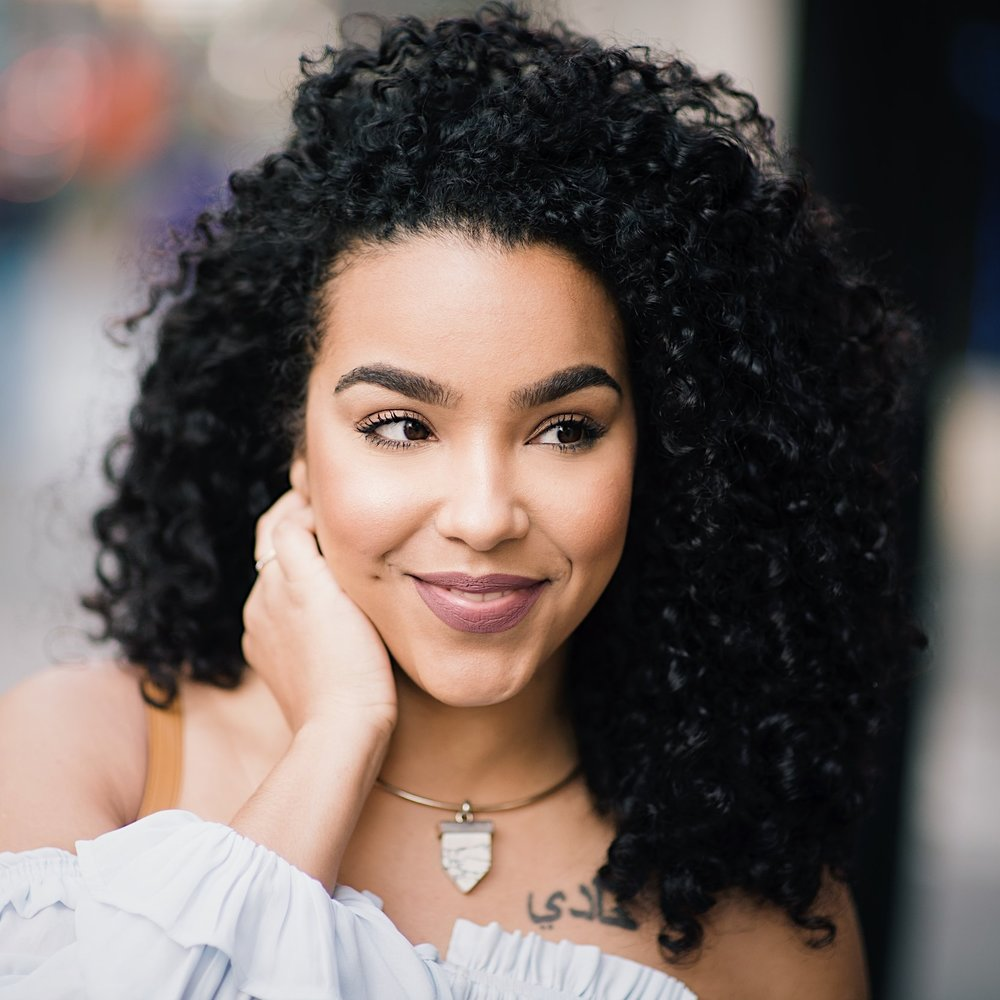 JAde kendle - FOUNDER OF Lipstickncurls