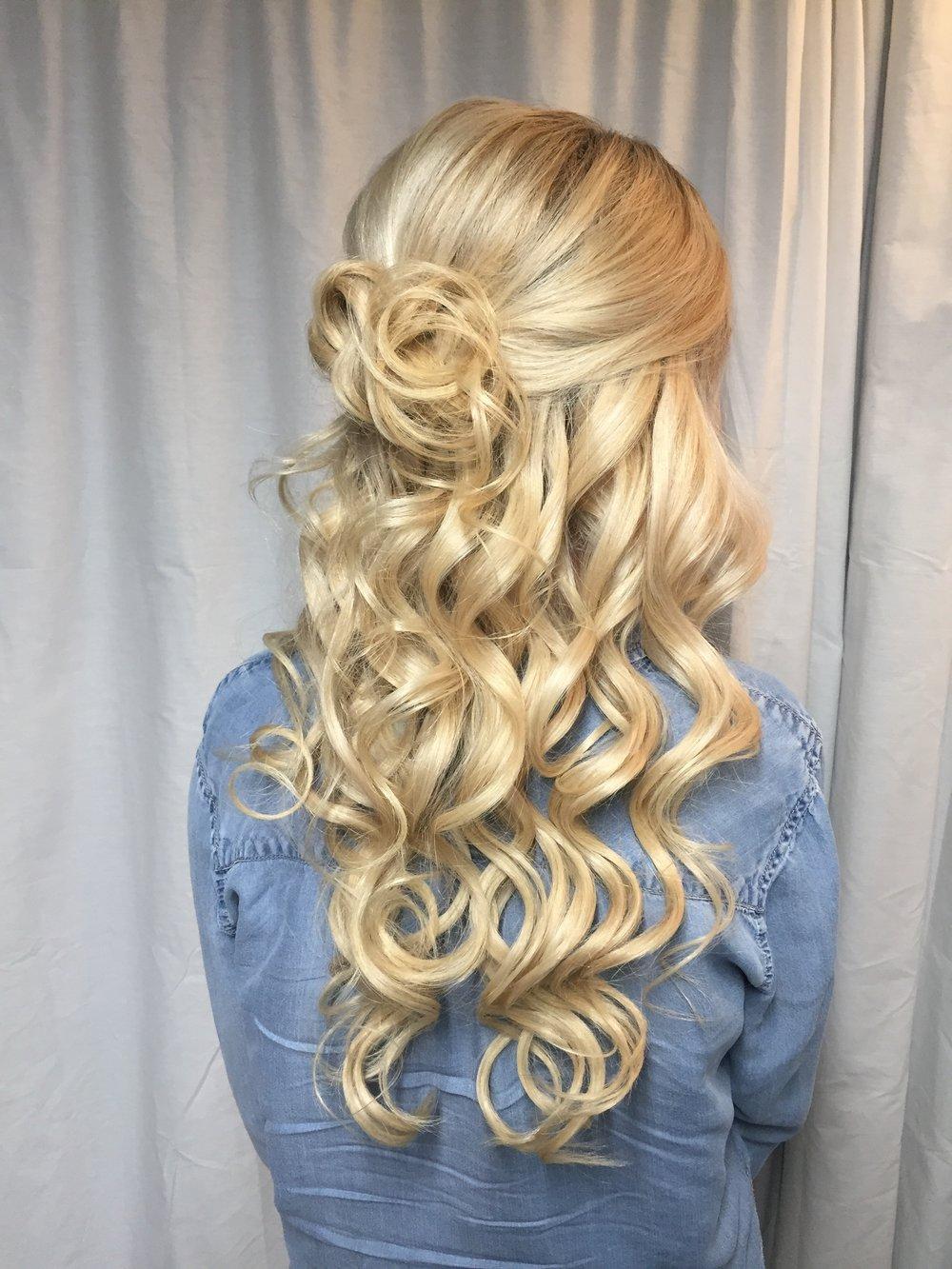blondecurls.JPG