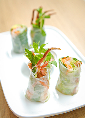 soft shell crab and avocado rolls