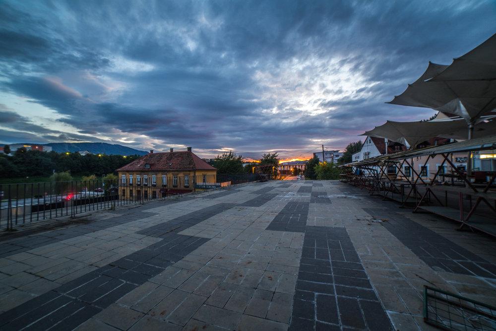 Tržnica zvečer   Canon 5D; Samyang lens; september 2017