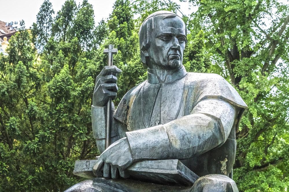 38_Slomskov_monument_2.jpg