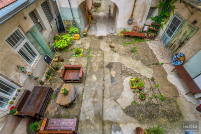 Smetka_jul2018_courtyard_4.jpg