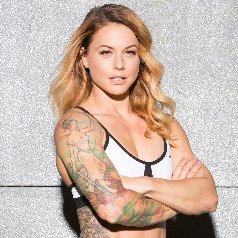 author | competitor | Pioneer - Christmas Abbott
