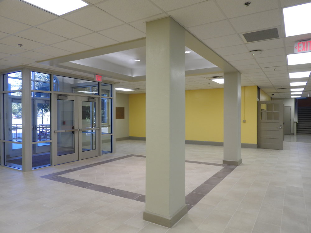 Foyer to Reception area.JPG