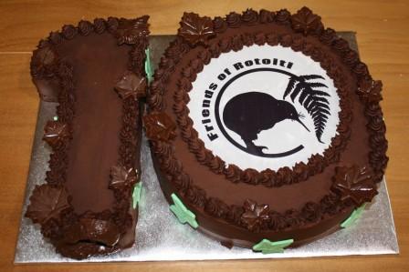 10th-anniversary-cake.jpg