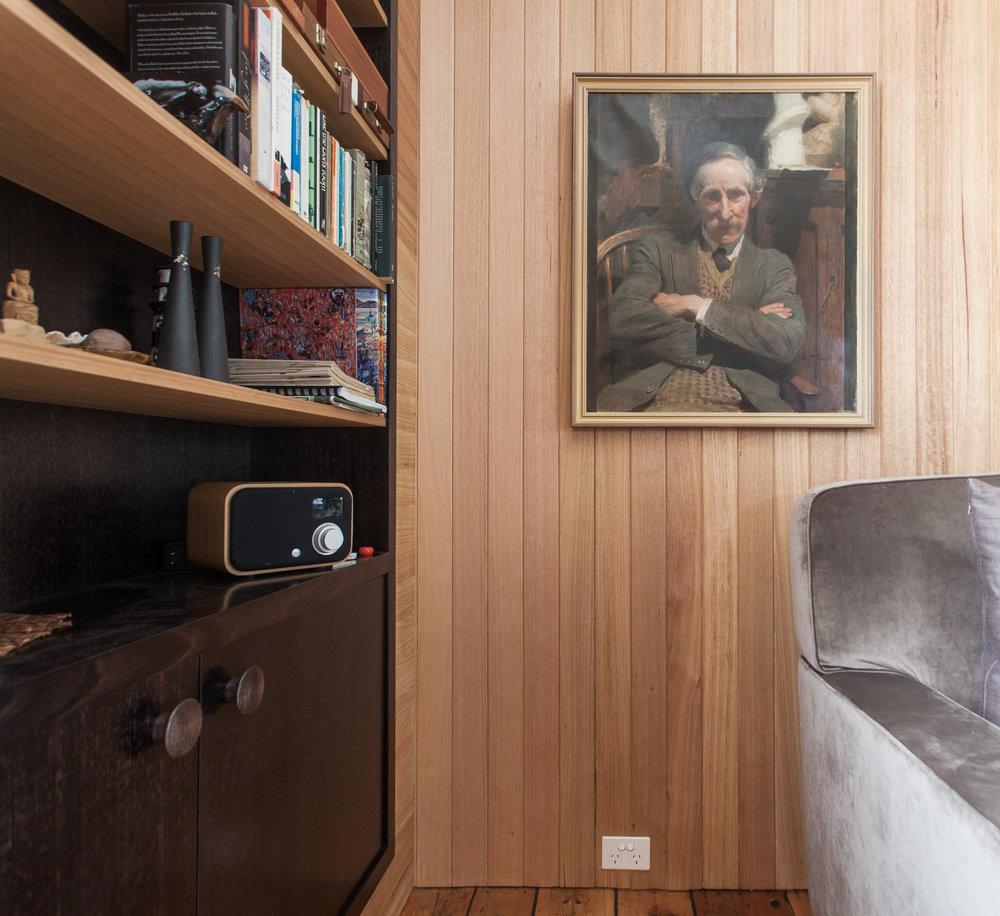 living bookcase corner detail (1 of 1).jpg