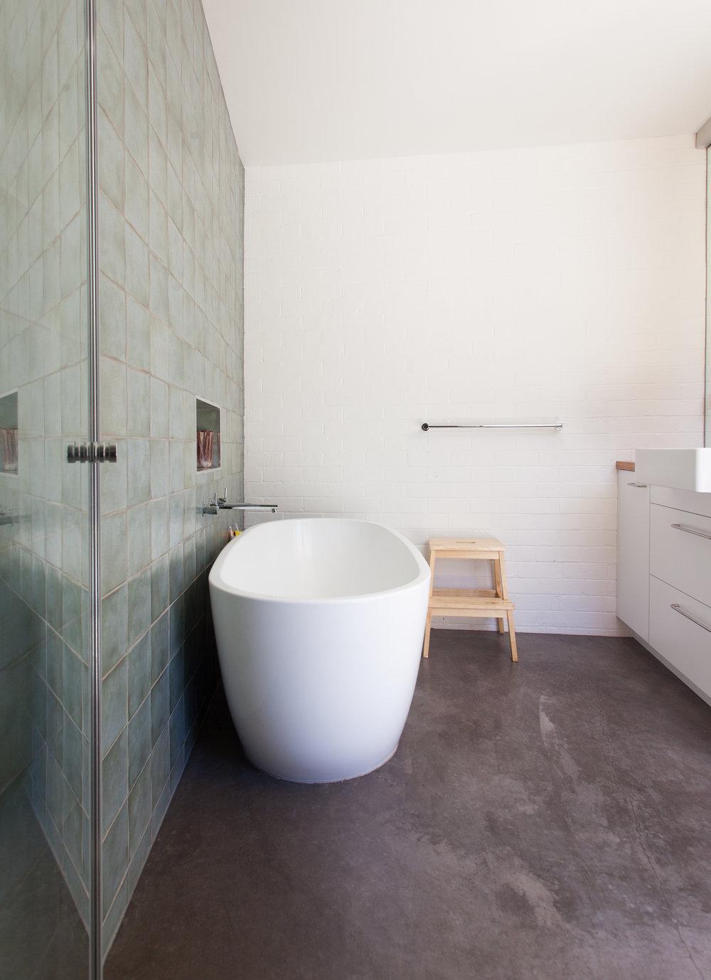 7. bathroom1.jpg