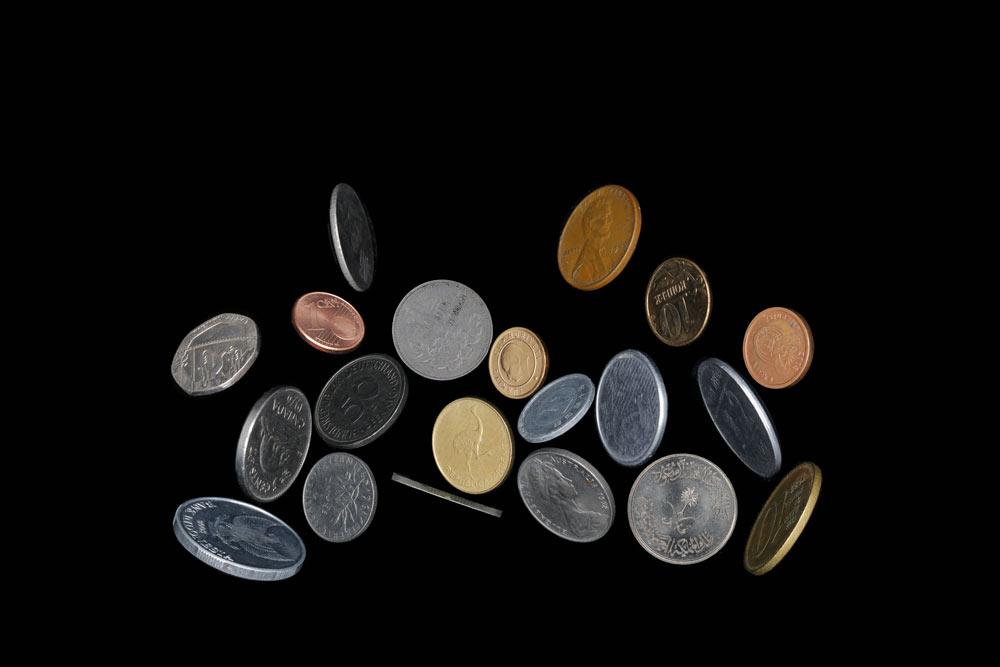 邵睿璐,《欧洲联盟组织的姿态》,选自《抽象物的形状》系列,2016-2018年。  数码微喷,80 x 120 cm图片由艺术家提供。
