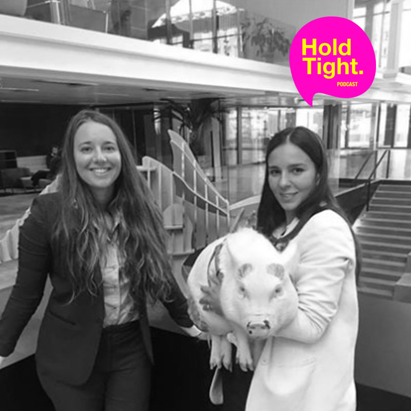 This episode is not only for those who think animals can play a great role in our lives, but also for anyone interested in the topics of coaching, mindfulness, HR, relationships and collaboration in a professional environment and heaps more !  Listen to Severine and Lou describe a different way to fight prejudices, change irgid mindsets and increase creativity, engagement and collective productivity all the way from business schools to big corporate leadership boards.  We are pleased to introduce you to Scarlett, co-founder and chief guru of the Therapig movement !