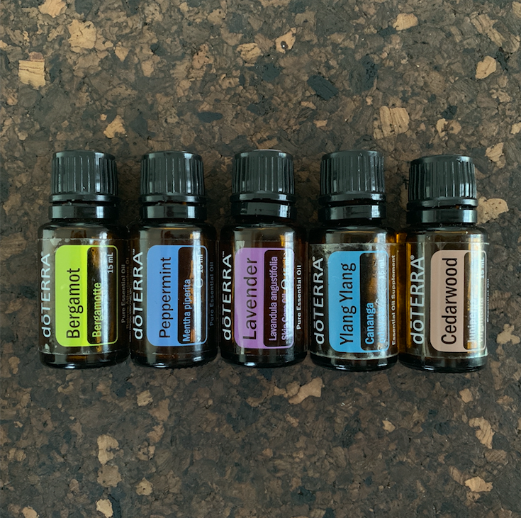 Linneas abundance kit €145 - Bergamot 15 ml, the oil of self love and prosperity. #30790805Peppermint 15 ml, alert and awake. #60204658Lavender 15 ml, peaceful sleep. #60204657Ylang Ylang 15 ml, embrace my femininity. #30240001Cedarwood 15 ml, grounding and anchoring. #49300001(If you are not yet a member remember to add €25 for the enrollment fee).