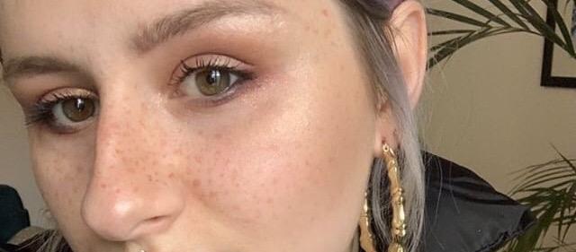 Tâches de rousseur éphémères au henné Faux Freckles Arts of Zaman.jpg