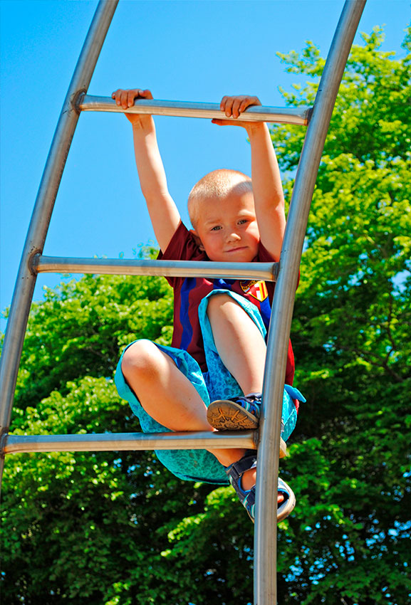 steel-climbing-equipment-playgrounds.jpg