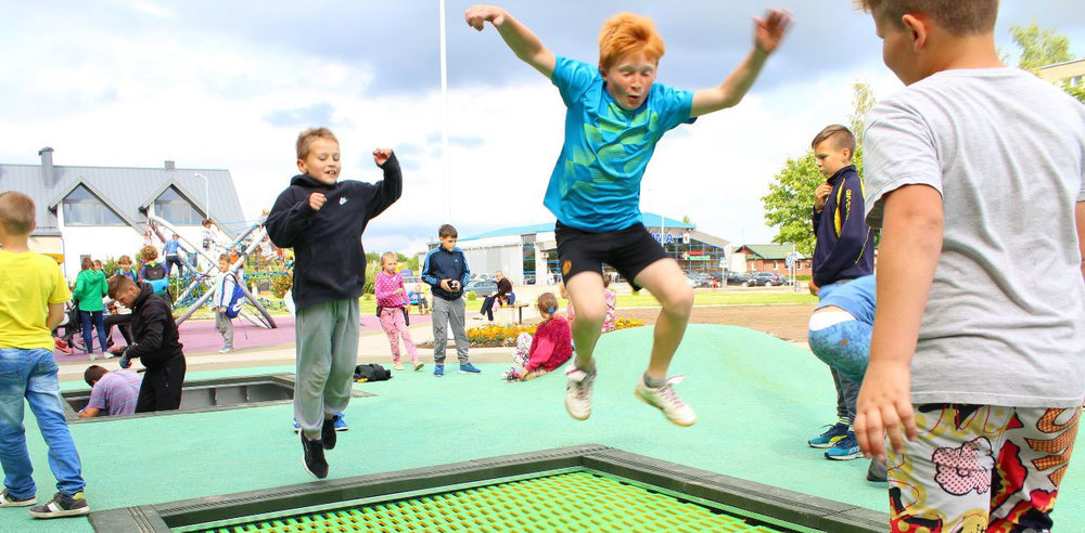 beautiful-trampolines-for-playgrounds.jpg