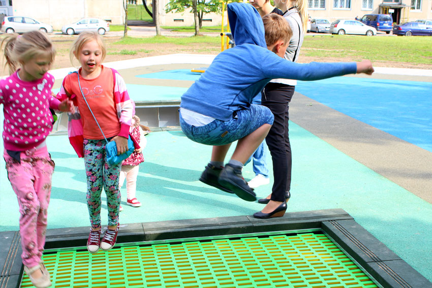 fun-tramploine-designs-for-play-parks.jpg