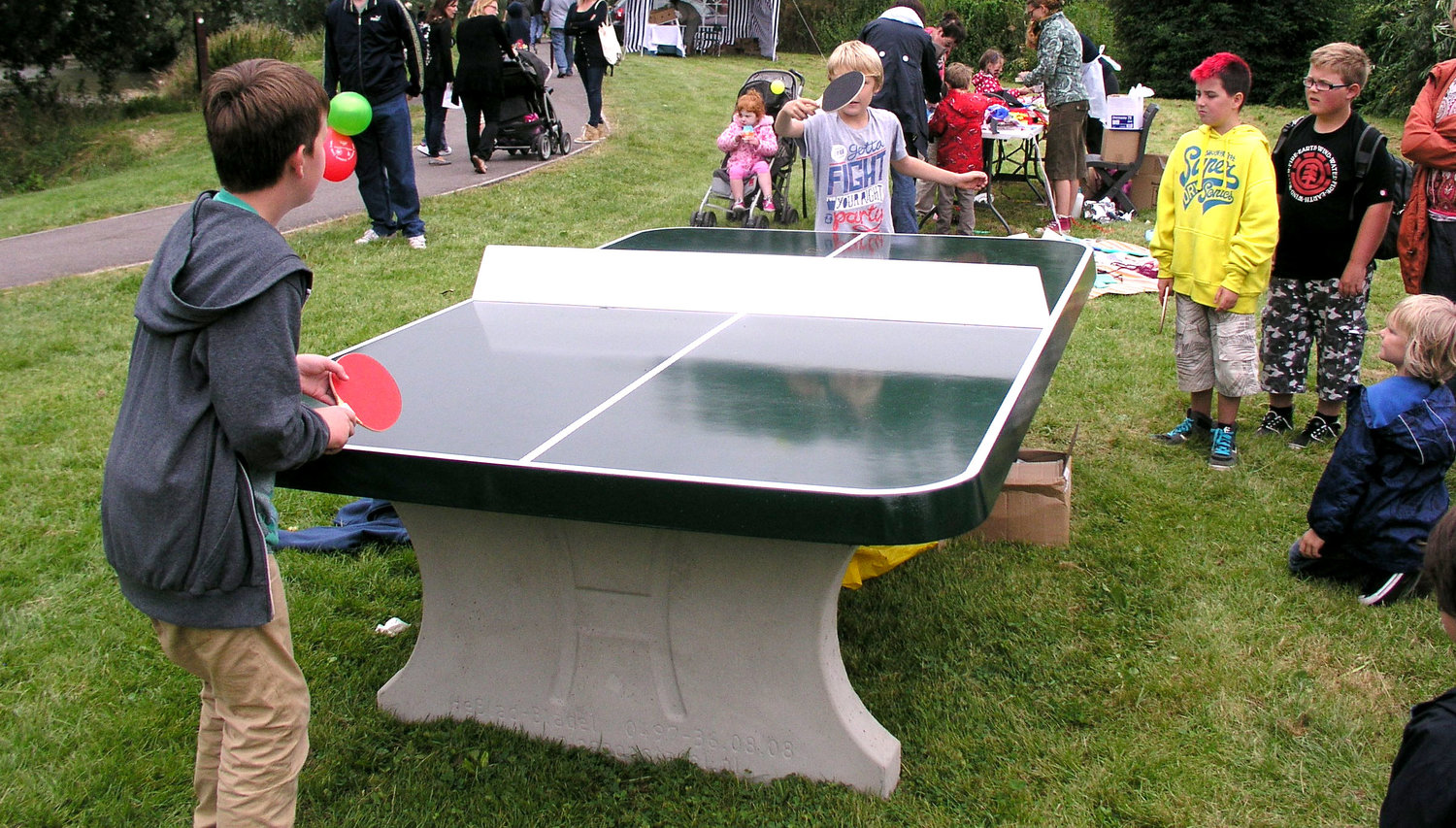 02428cb1714f Outdoor And Indoor Table Tennis Tables