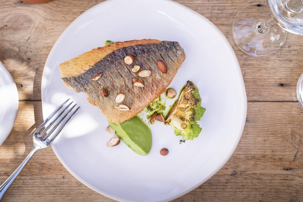 fox-and-pheasant-pub-chelsea-sea-bream.jpg