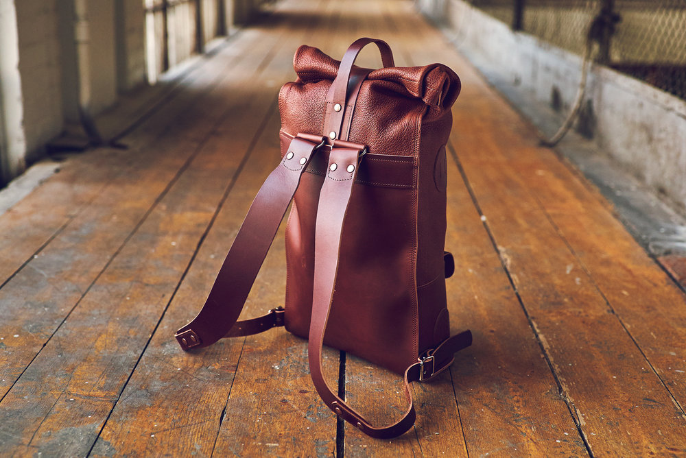 60 mm wide and 3 mm thick ergonomically designed shoulder straps.