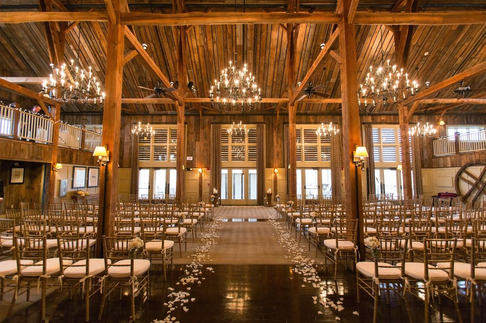 les fleurs : barn at gibbet hill : indoor ceremony : barn wedding : neutral fall wedding
