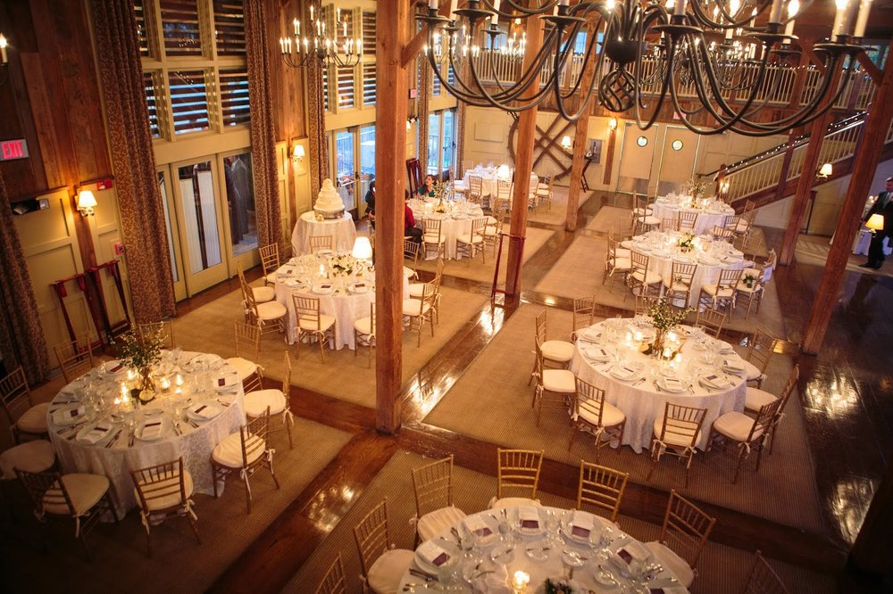 les fleurs : barn at gibbet hill : neutral fall wedding : barn wedding : tall and short table arrangements