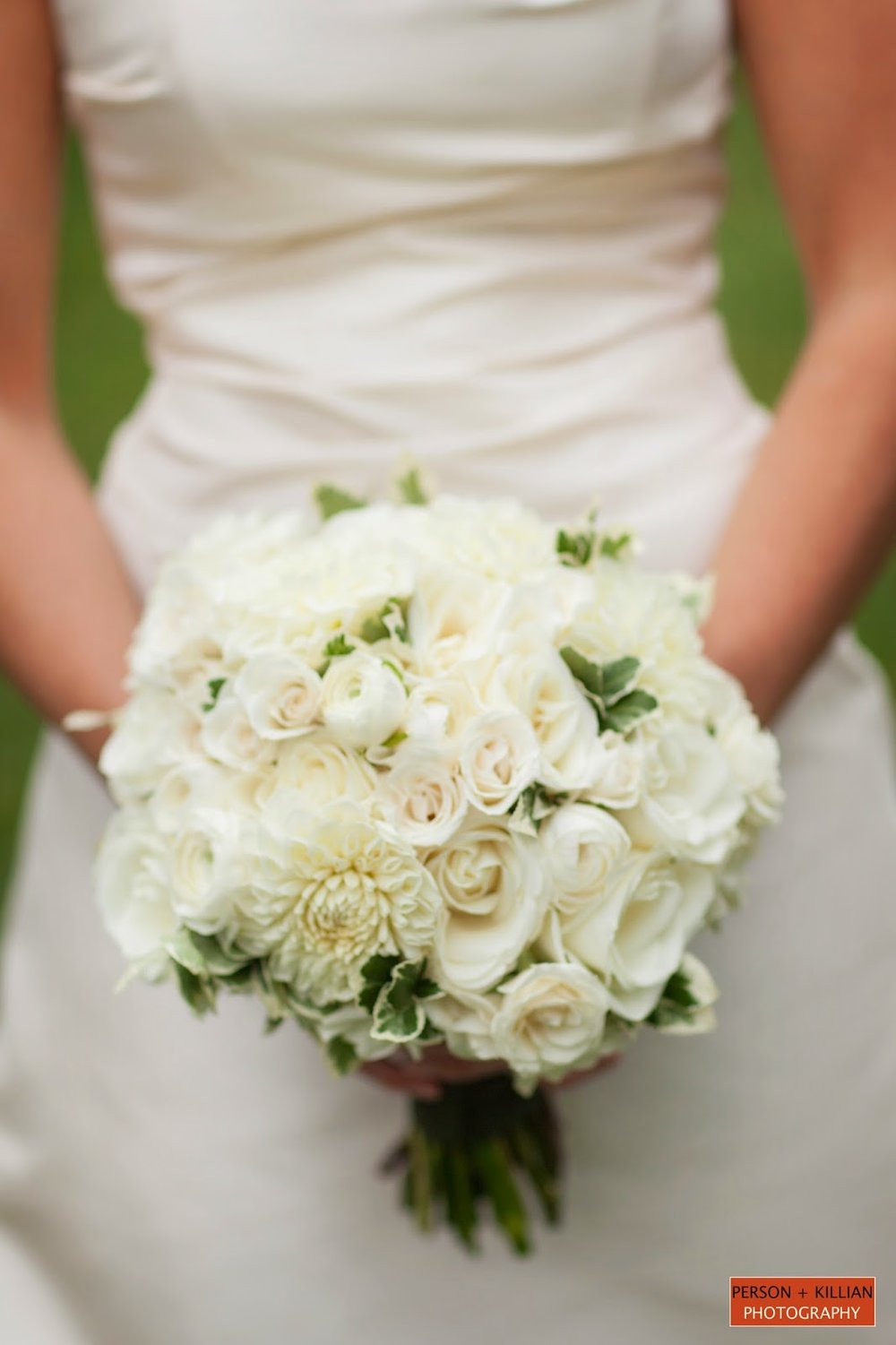 les fleurs : crane estate : person + killian photography : white bridal bouquet : dahlia, roses, ranunculus, variegated foliage