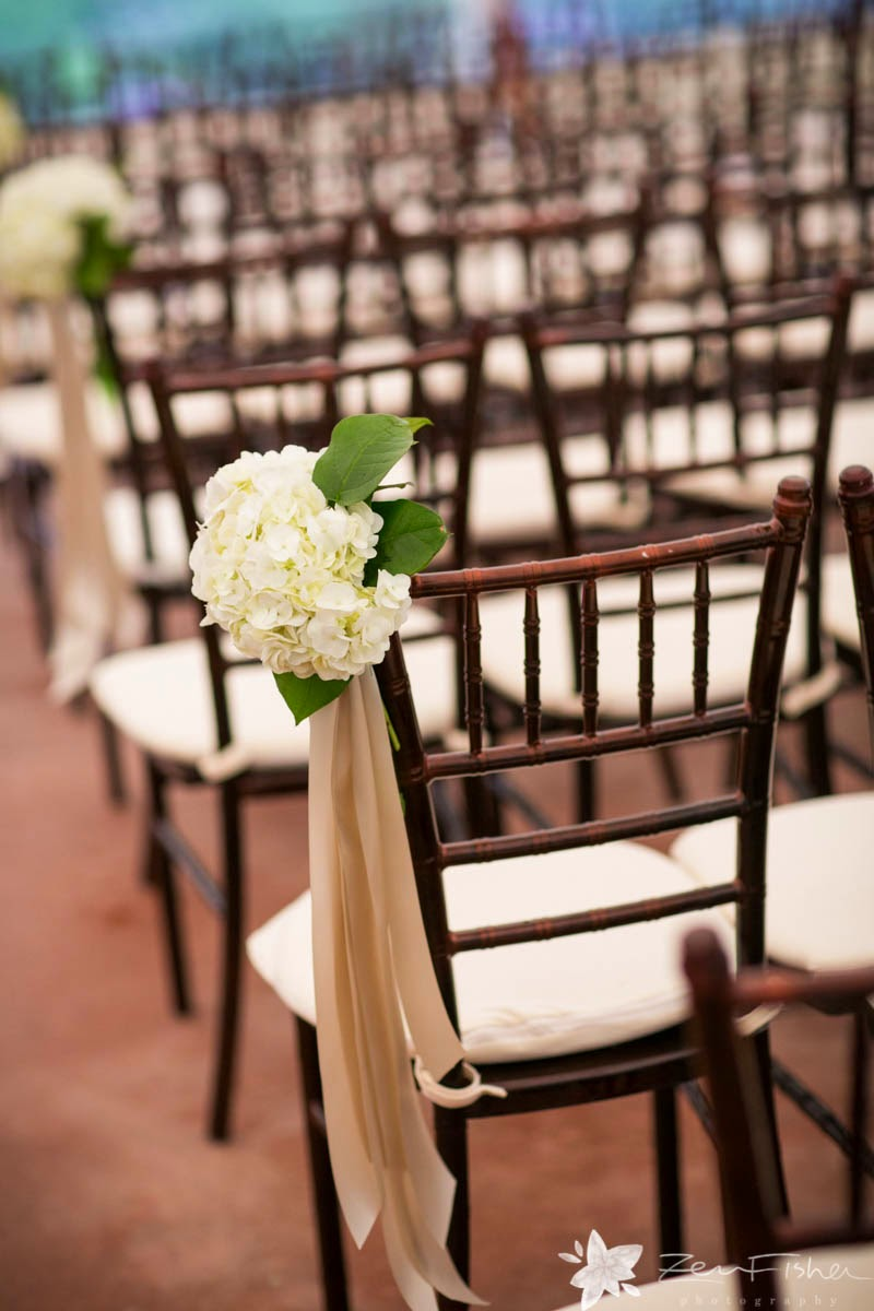 willowdale estate : zev fisher : les fleurs : tent ceremony : white hydrangea pew cluster