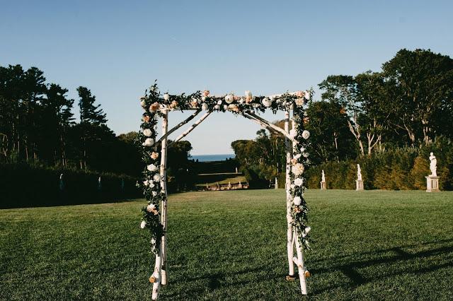 les fleurs : birch archway : dahlias : crane estate