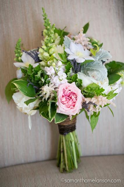 summer bridal bouquet, blush pink, soft purple, white & green : les fleurs : fruitlands museum : samatha melanson photography
