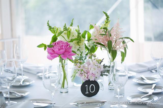 mini bud vases, summer flowers : les fleurs : fruitlands museum : samatha melanson photography