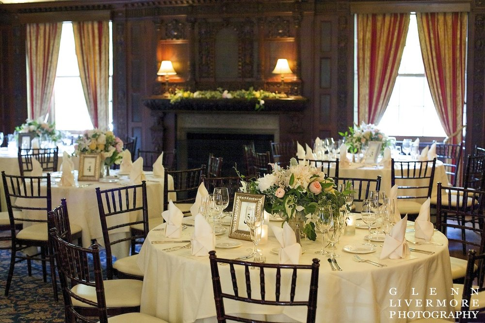 lanam club : glenn livermore photography : les fleurs : garden urn centerpiece : new england estate wedding : juliet, dogwood, astilbe, peony