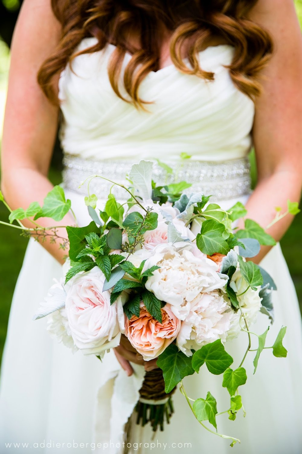 les fleurs : summer tent wedding : garden bouquet : garden roses and peonies