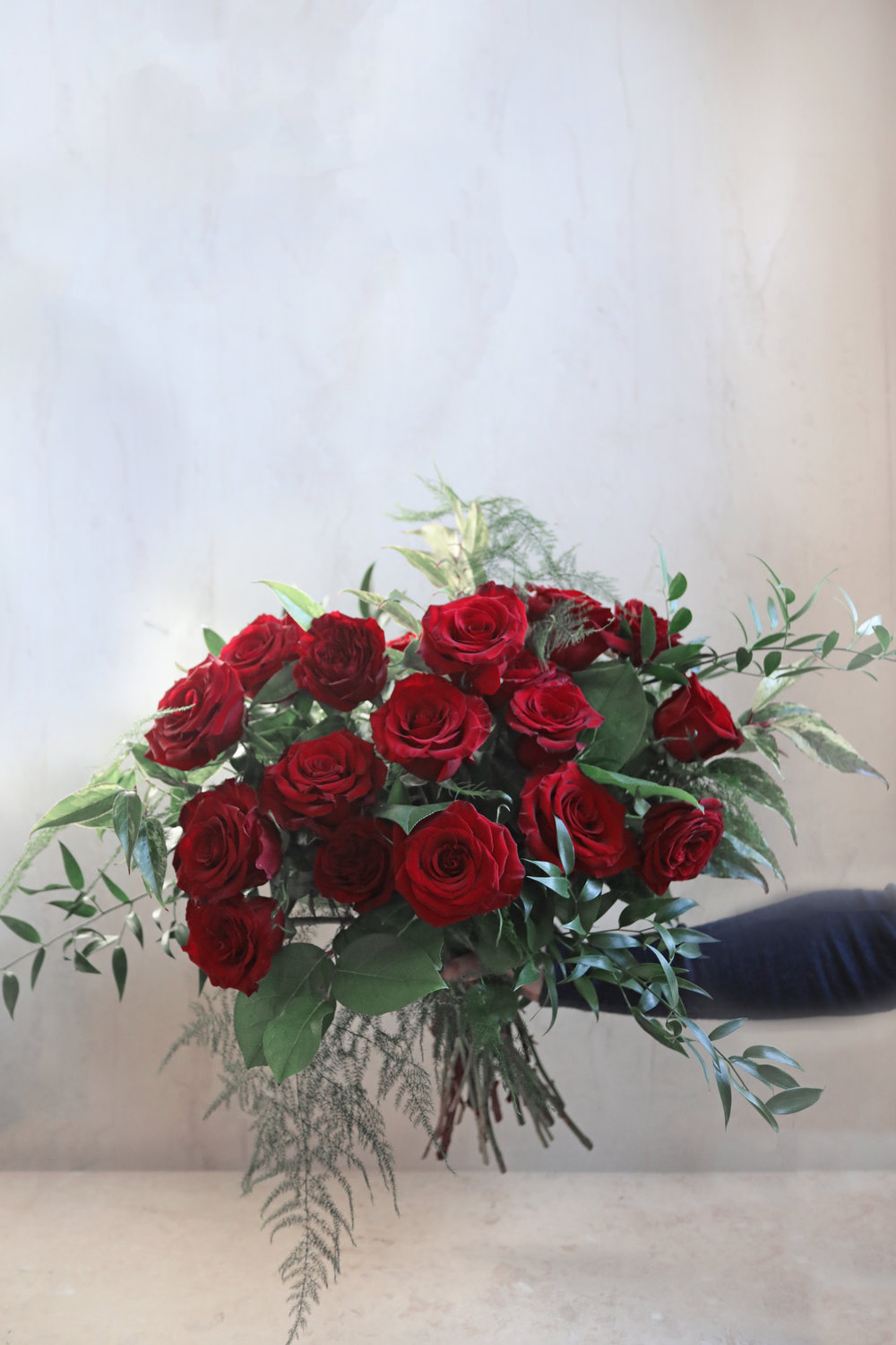 dozen red roses valentines day flower florist