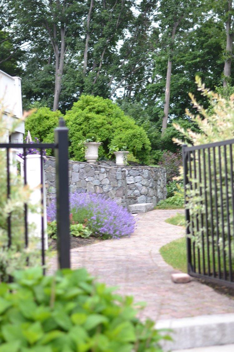 les-fleurs-back-yard-flower-gardens.jpg - My Backyard Flower Garden — Andover Florist Holiday Flowers