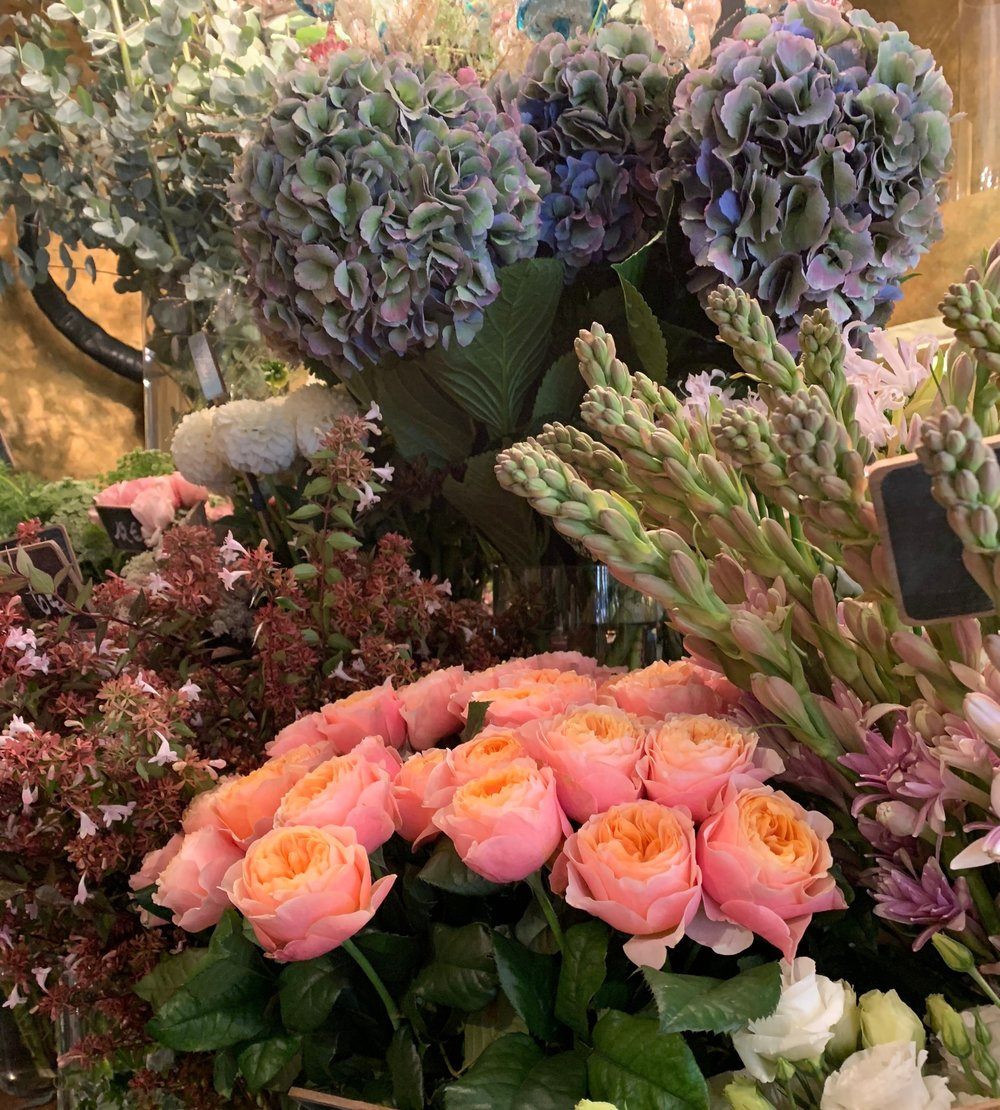 paris-flower-shop-pink-roses-eucalyptus-hydrangea.jpg