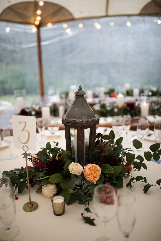 willowdale-fall-tent-wedding-lesfleurs-2018 (16).jpg