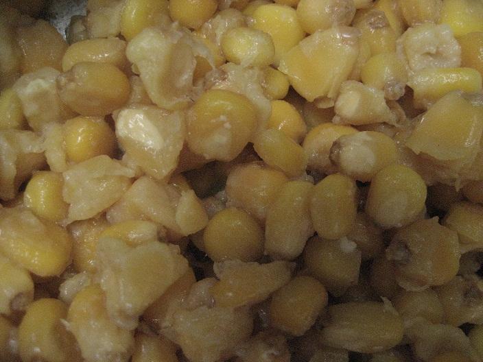 Fresh-washed, de-skinned corn