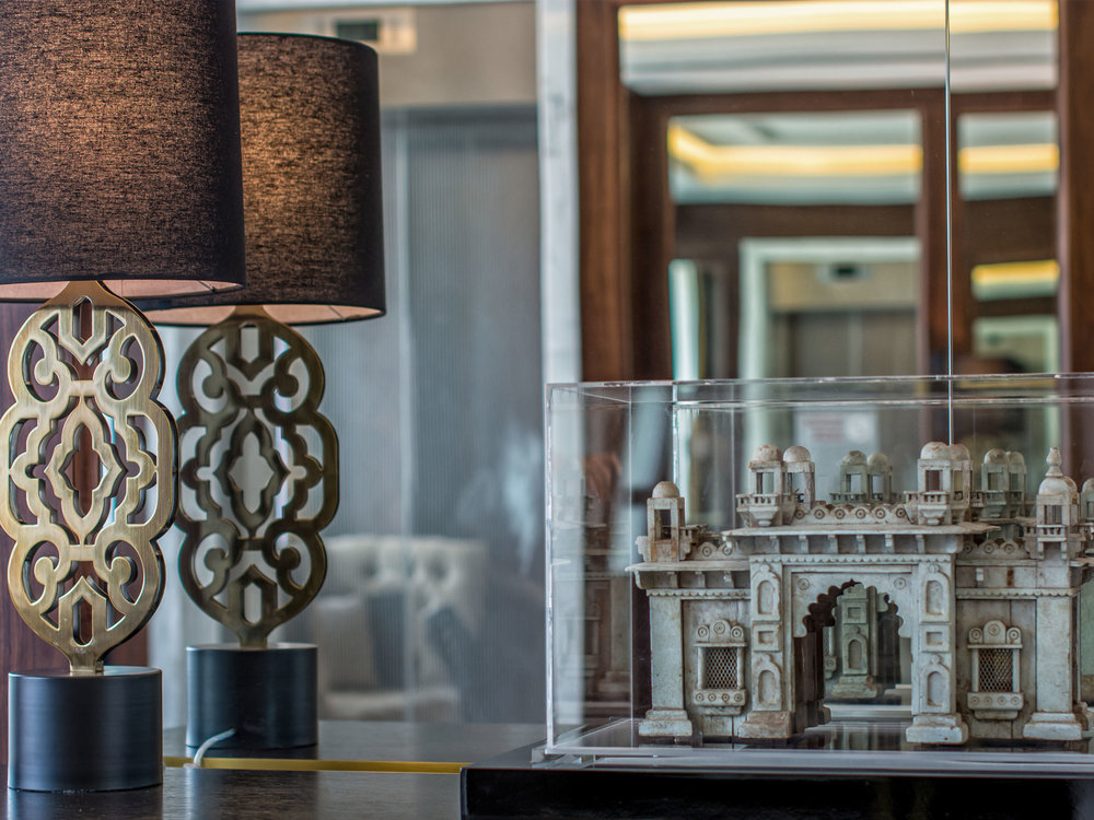02-capsule-arts-projects-taj-hotel-downtown-close-up.jpg