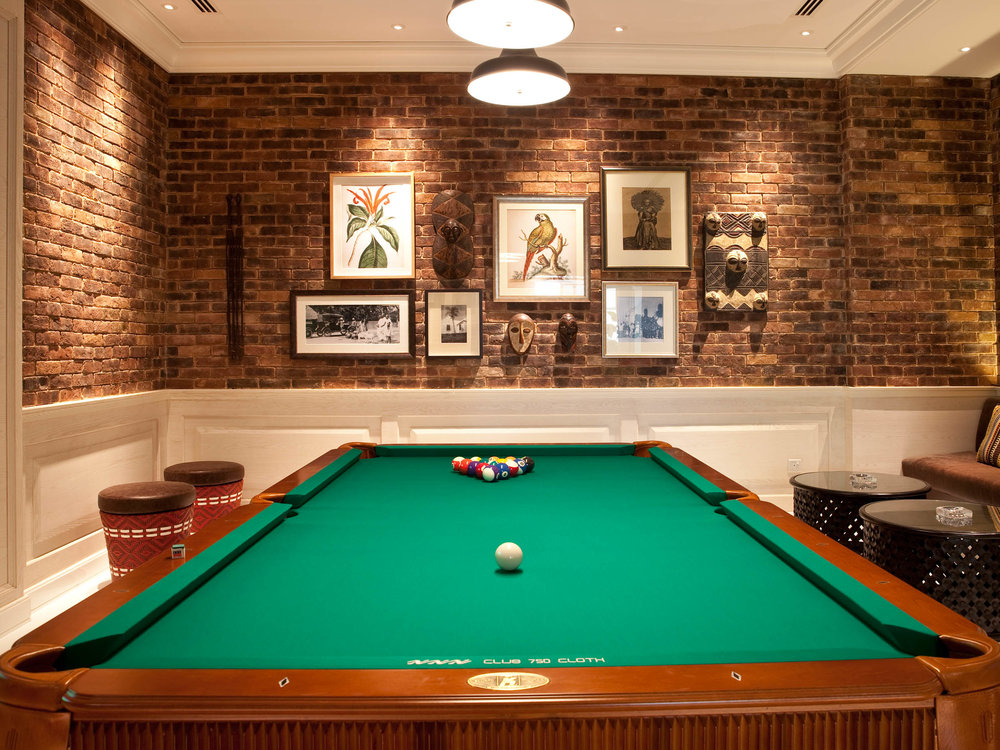 04-capsule-arts-projects-bar-muda-pool-table.jpg
