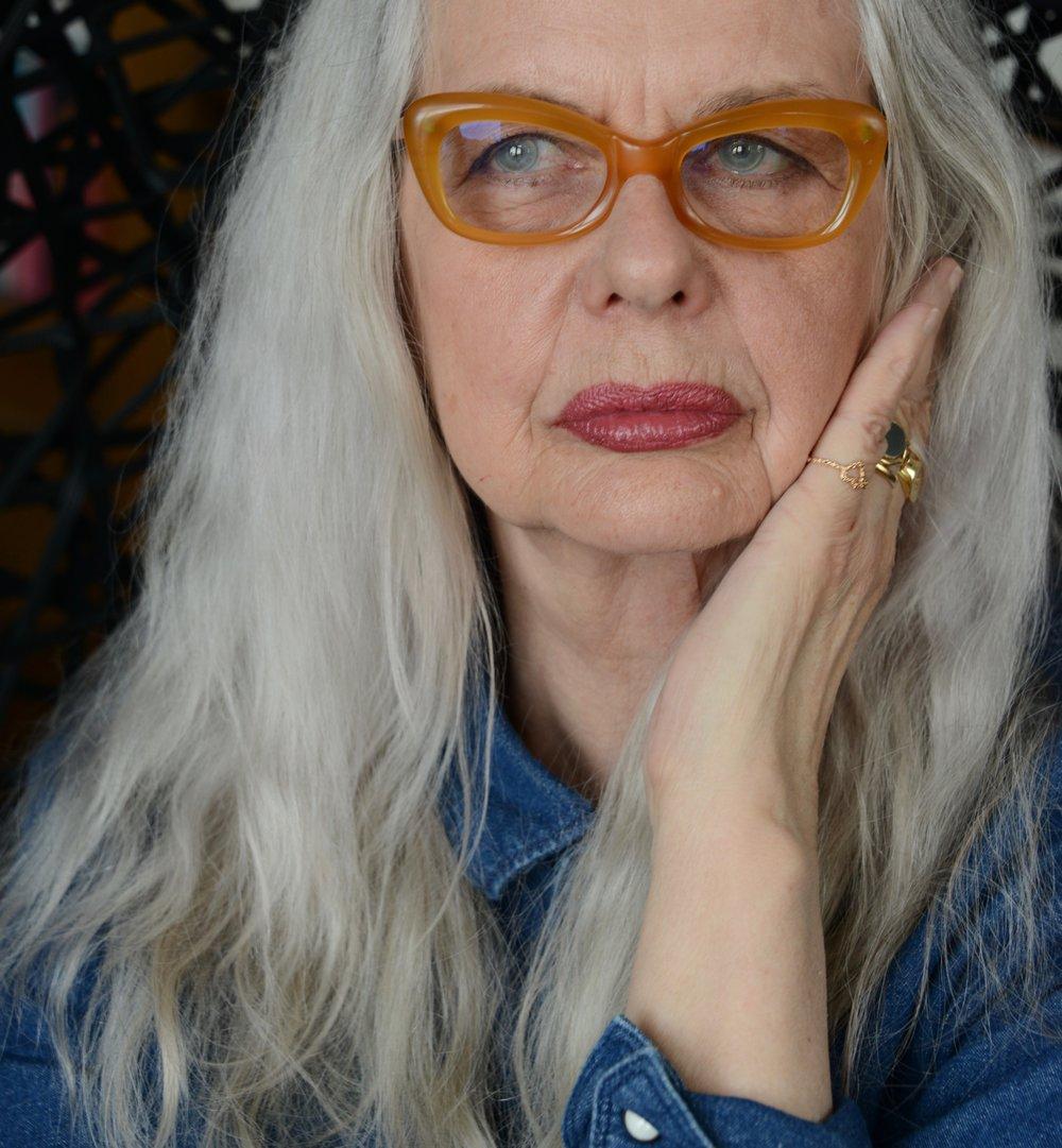 Marianne Lindberg de Geer (självporträtt).jpg