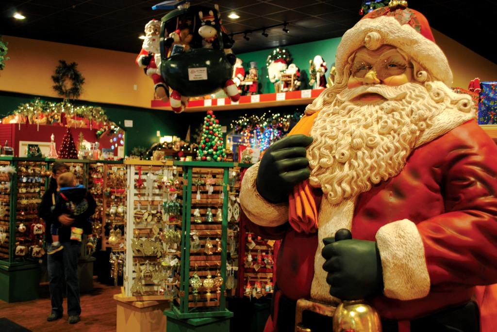 Santa-Claus-Christmas-Store1