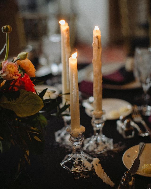 Candlelit dinner 🌙 is there anything more magical than candlesticks? @jenhousedesign