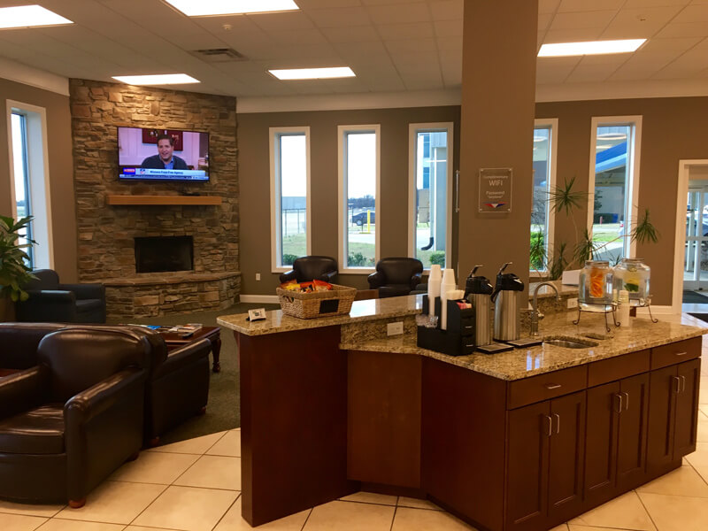 Lobby area with amenities - Smyrna / Rutherford Country Airport Authority
