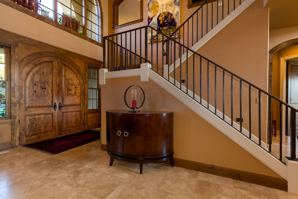 Formal Entryway - Main Floor