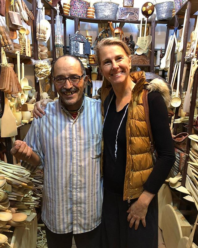 Visiting with one of Santa's elves. #marrakech