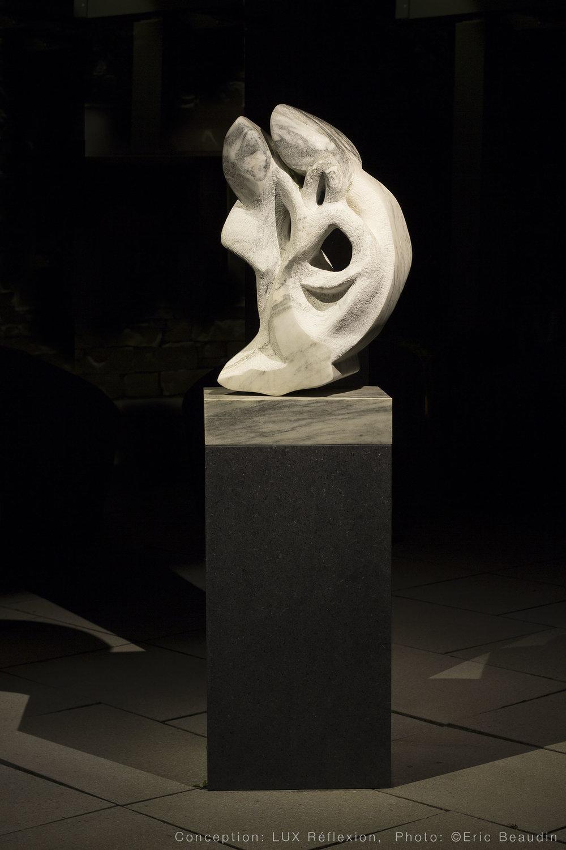 Éclairage d'oeuvres d'art, sculpture sur socle