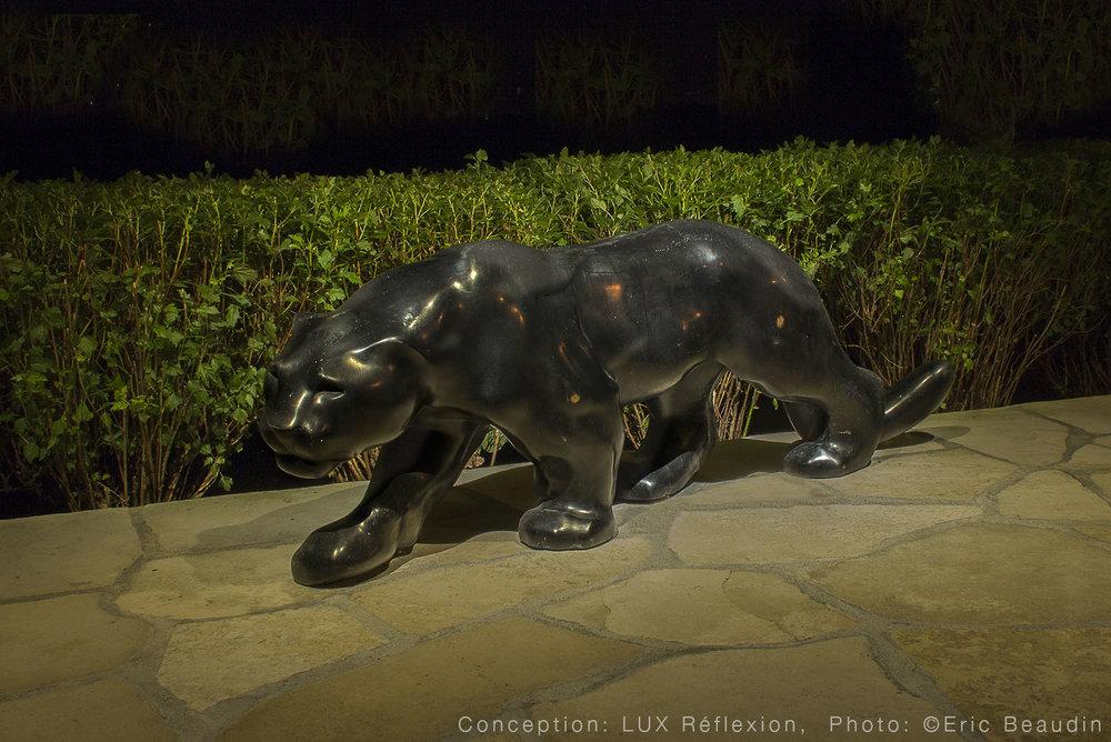 Éclairage d'oeuvres d'art, sculpture de cuivre