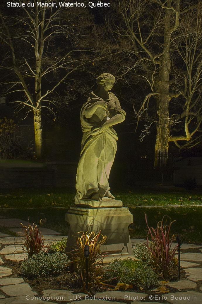 Éclairage d'oeuvres d'art, statue de pierre