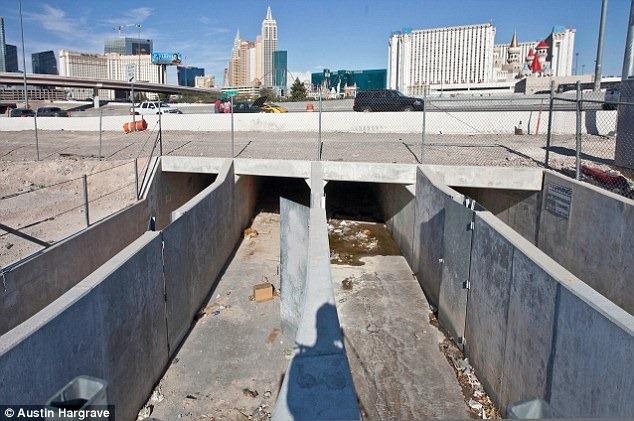 las-vegas-tunnel-people-53.png